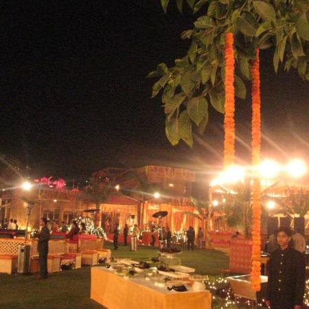 The Lawn - Wedding Buffet Stalls