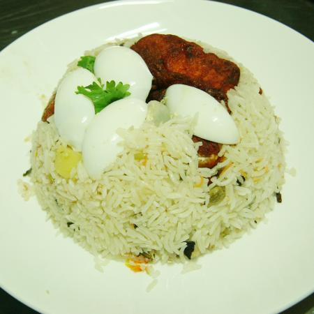 Chicken Biryani with Egg Slices