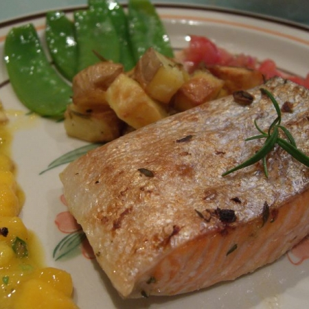 Thyme and Garlic Grilled Salmon with Mango Salsa