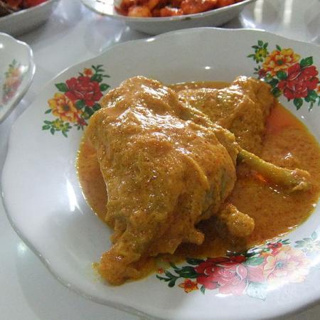 Gulai ayam masakan Padang
