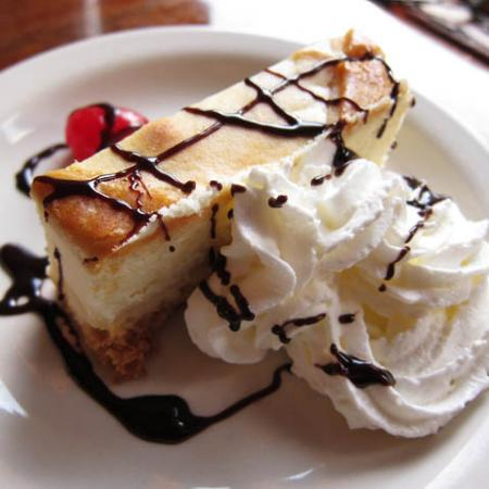 Cheesecake with whipped cream