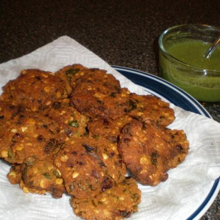 Dal Wada With Green Chutney