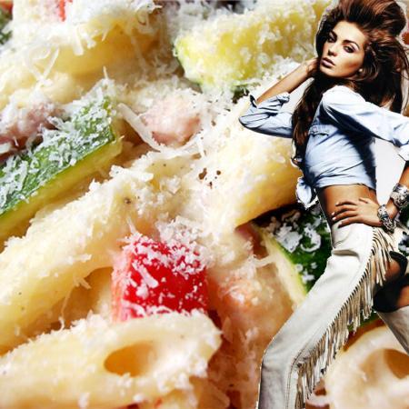 Daria Werbowy with Creamy Pasta