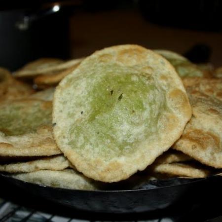 Peas Kachuri