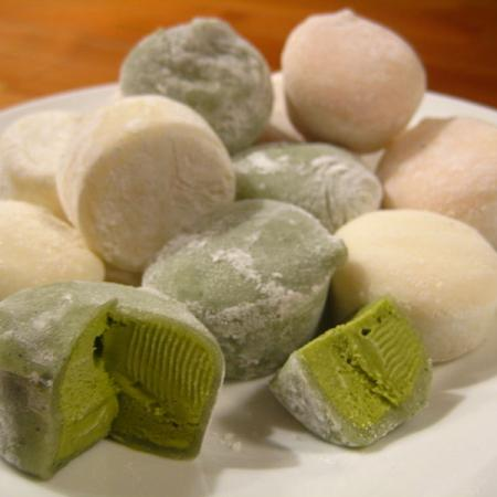 Mochi ice cream in green tea