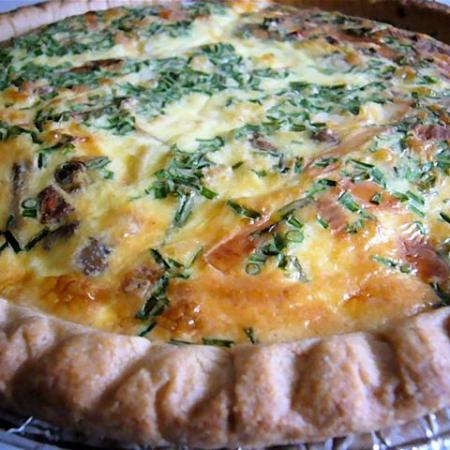 Quiche with carmelized onions