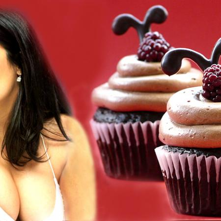 Salma Hayek With Cupcake