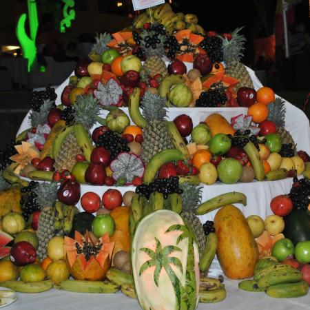Assorted Fruit Mountain