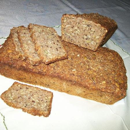Rye bread with seeds