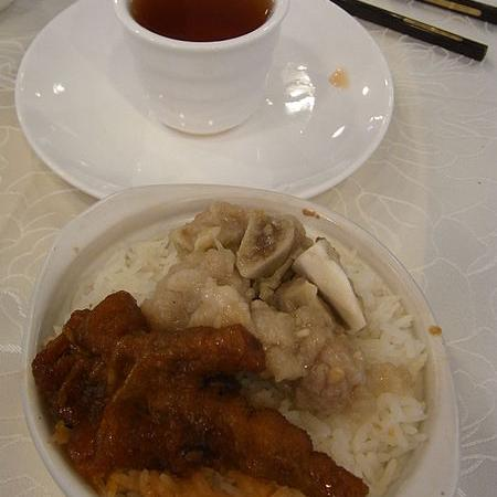 Streamed chicken foot Pork ribs rice Tea cup