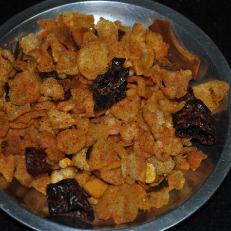 Fried Cornflake Chiwda