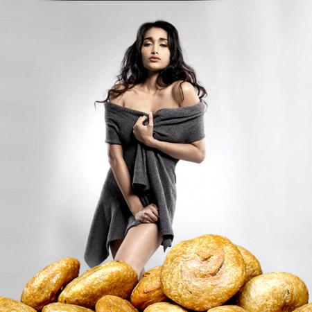 Jiah Khan And Kachori