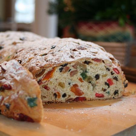 Stollen with candied fruits