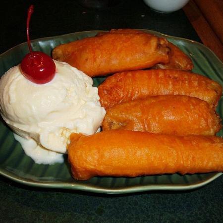 Fried bananas with vanilla ice cream
