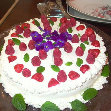 Strawberries and Raspberries Cake