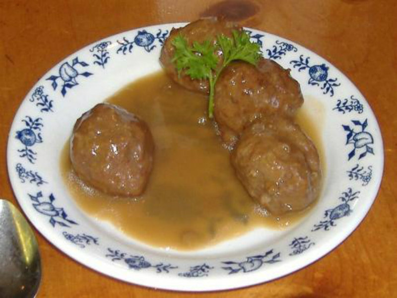 Swedish Meatballs With Spiced Applesauce picture