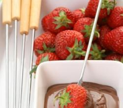 Swiss Chocolate Fondue picture