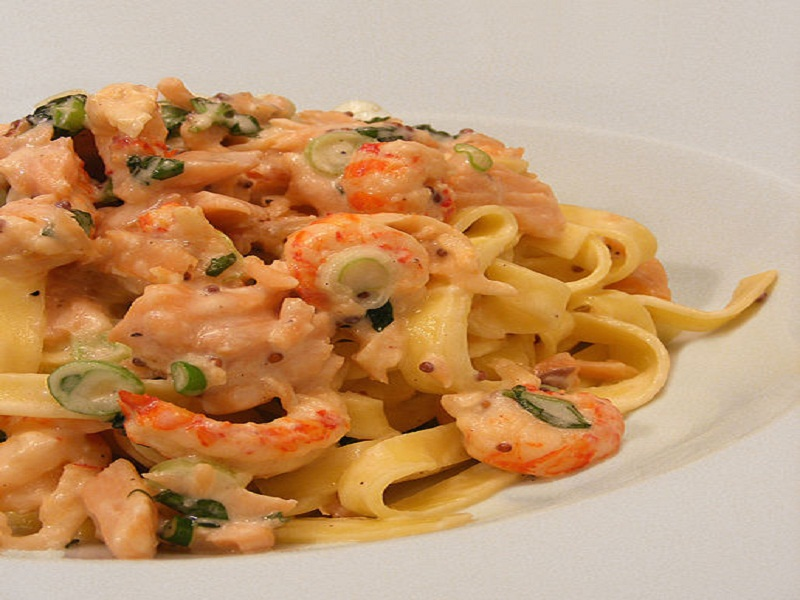 Tagliatelle with Scallops and Smoked Salmon picture
