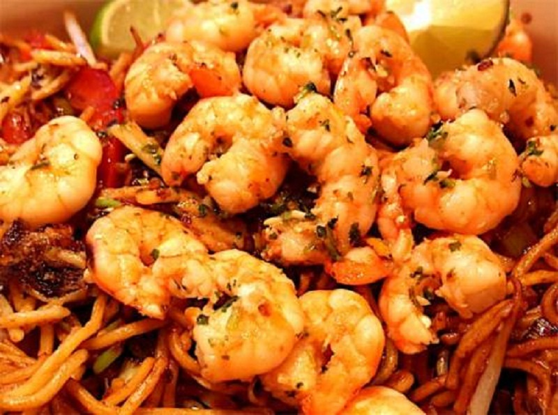 Thai Fried Noodles With Prawns picture