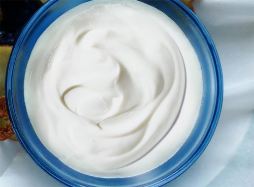 Thick Vanilla Yogurt picture