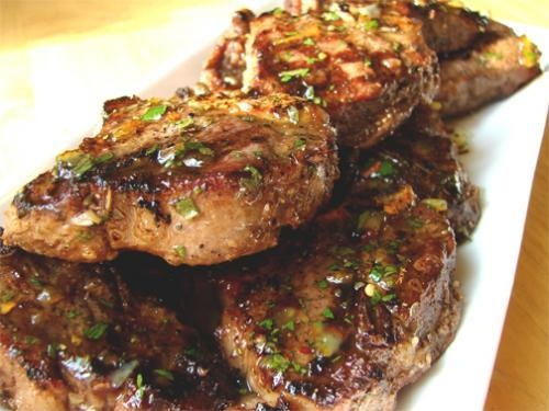 Tiny Rib Lamb Chops With Minted Vinegar Dipping Sauce picture