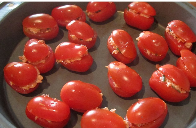 Tomato Cups with Lime and Chive Dressing picture
