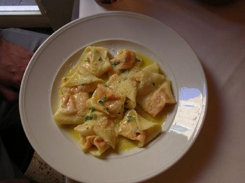 Tortellini Verde With Ricotta And Pistachio Nuts picture