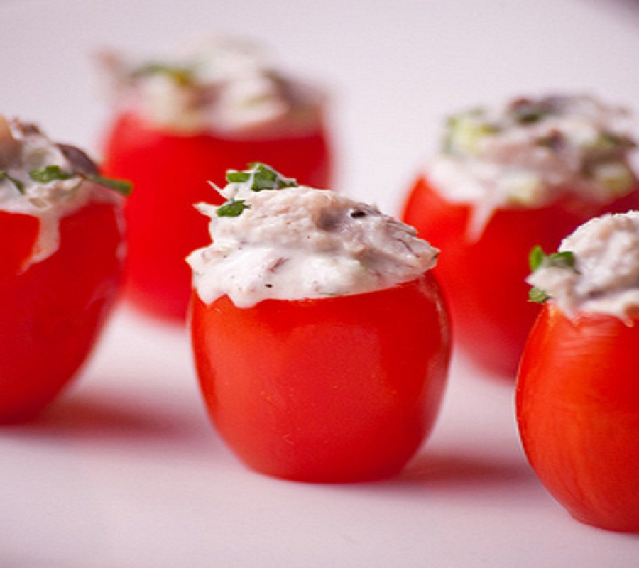Tuna-Stuffed Tomatoes picture