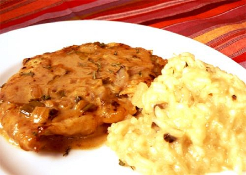 Turkey With Piquant Pepper Sauce picture