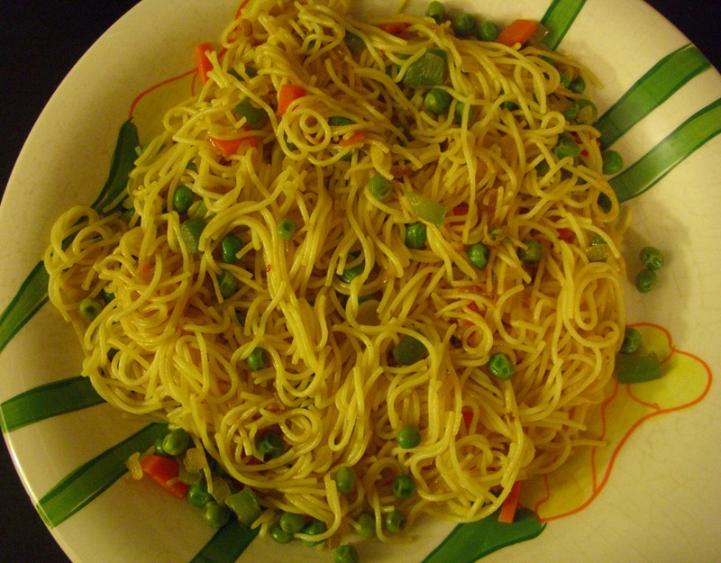 Mixed veg noodles picture