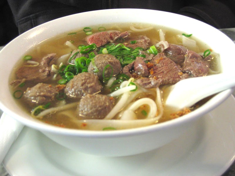 Vermicelli Soup With Meat Balls picture