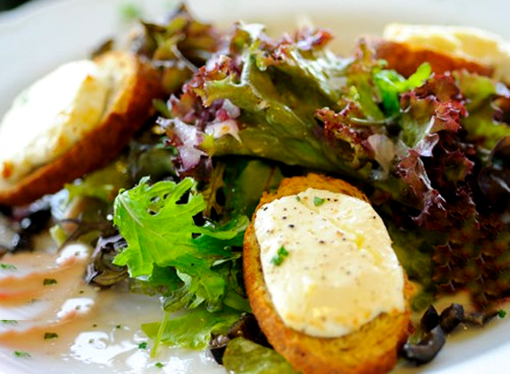 Warm Goat Cheese Salad picture