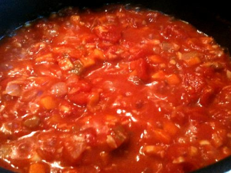 Warm Tomato Pepper Sauce picture