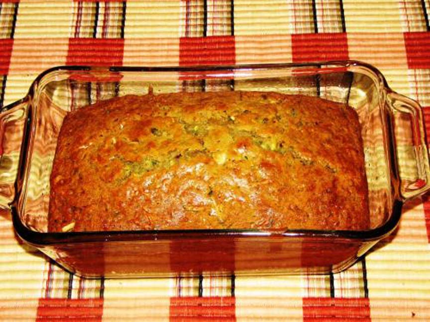 Apple Or Zucchini Bread picture